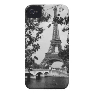 Eiffel Tower B&W iPhone 4 Case