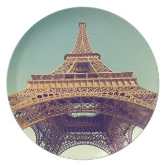 Eiffel tower plates