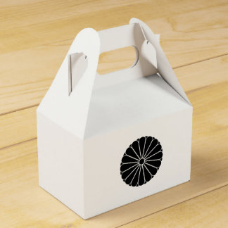 Eightfold 16 chrysanthemum party favor boxes