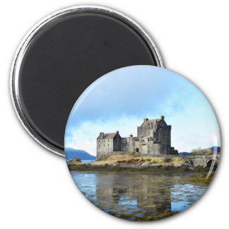 'Eilean Donan Castle' - Scotland Magnet