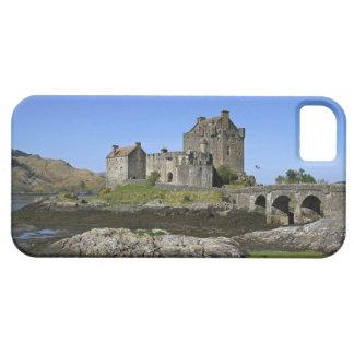Eilean Donan Castle, Scotland. The famous Eilean 2 iPhone 5 Cover