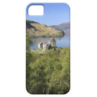 Eilean Donan Castle, Scotland. The famous Eilean iPhone 5 Cases