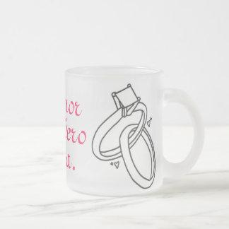 El amor verdadero espera. frosted glass coffee mug
