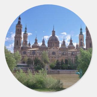 El Pilar Basilic Round Sticker