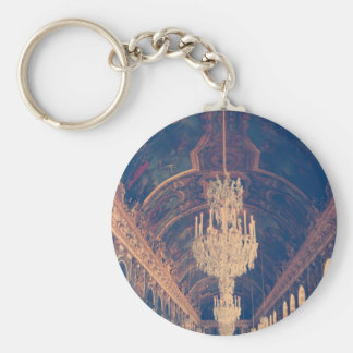 Elegant and vintage chandelier keychain