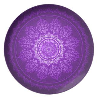 Elegant Classy Purple Swirl Decorative Pattern Plate