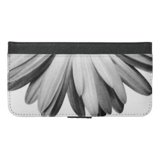Elegant Daisy Petals Photo in Black and White