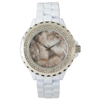 Elegant fur texture watch