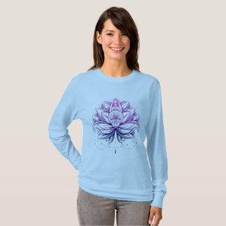 Elegant Gentle Purple  Watercolor Lotus / Lily flo T-Shirt