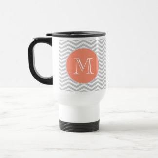 Elegant geometry of chevrón and monograma travel mug