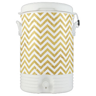 Elegant Gold Foil Zigzag Stripes Chevron Pattern Drinks Cooler