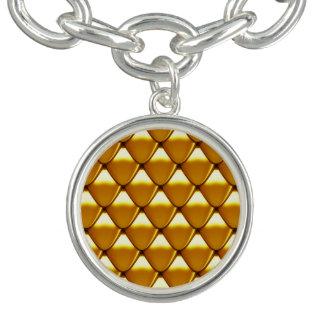 Elegant Gold Scale Pattern Bracelets