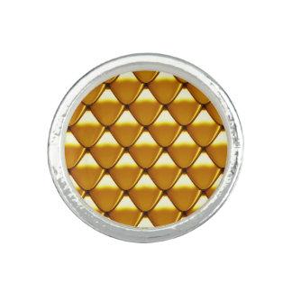 Elegant Gold Scale Pattern Rings