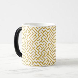 Elegant Maze Modern Art - Gold & White Magic Mug