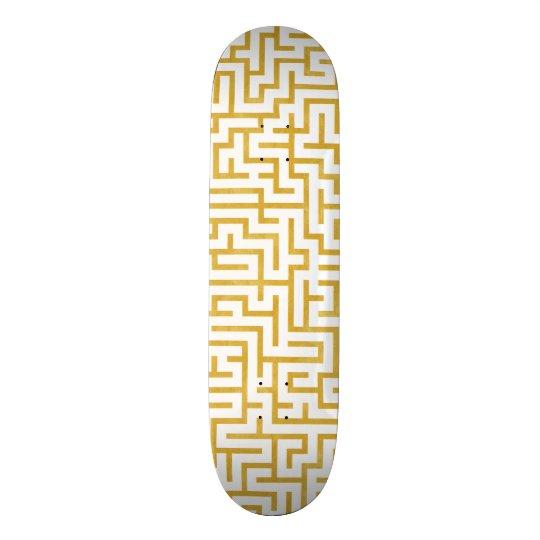Elegant Maze Modern Art - Gold & White Skateboard