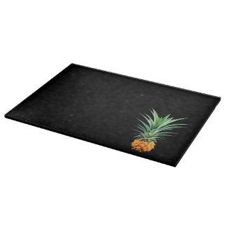 elegant minimalist pineapple | black background cutting board