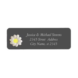 Elegant modern chic daisy return address label