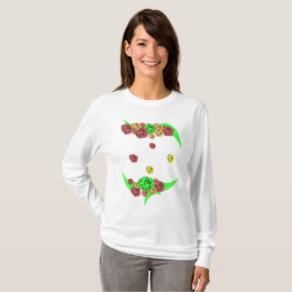 Elegant seamless pattern of flowers on a white bac T-Shirt
