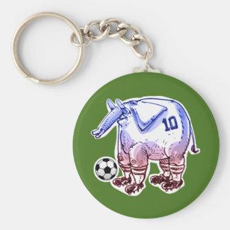 éléphant le footballeur avec la boule porte-clé rond