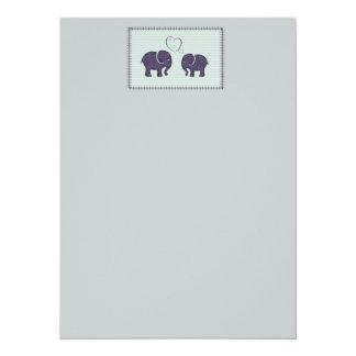 Éléphants mignons à la mode élégants dans l'amour