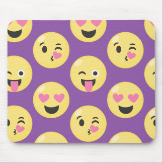 Emoji Love Pattern Mouse Pad