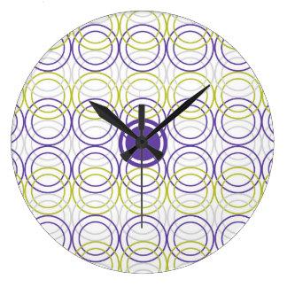 Empty circles large clock