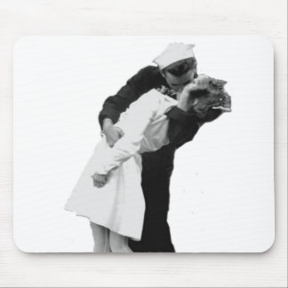 End of War Kiss Mouse Pad