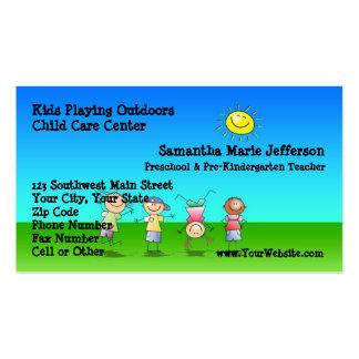 Enfants jouant dehors le centre de Childcare Carte De Visite Standard