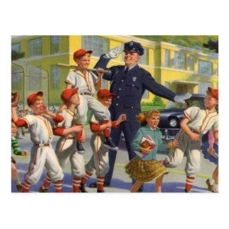 Enfants vintages, garde de croisement de joueurs carte postale