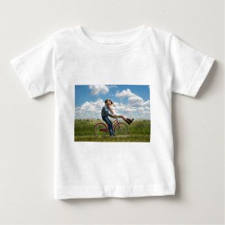 engagement baby T-Shirt