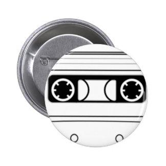 Enregistreur à cassettes badge avec épingle
