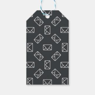 Envelope pattern gift tags