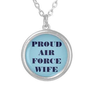 Épouse fière de l'Armée de l'Air de collier