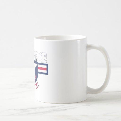 Épouse fière de l'Armée de l'Air Mugs