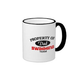 Équipe de natation de papas tasse