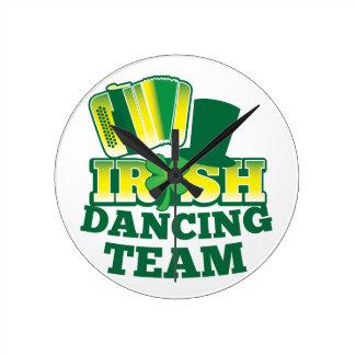 ÉQUIPE irlandaise de danse Pendule
