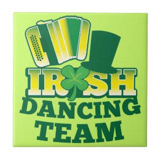 ÉQUIPE irlandaise de danse Petit Carreau Carré