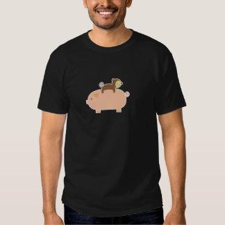 Équitation de singe de bébé sur un porc t shirts