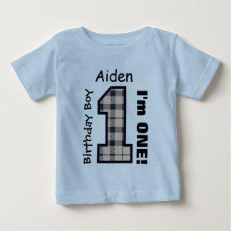ęr PLAID de garçon d'anniversaire un nom fait sur Tee Shirts