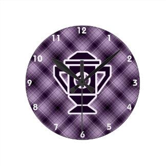 Ęr trophée d'endroit de pourpre horloge ronde