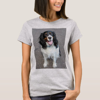 ess bwt sitting T-Shirt