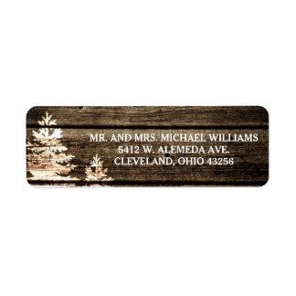 Étiquettes en bois de mariage d'hiver de pins de