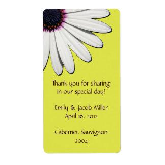 Étiquettes jaunes de vin de mariage de marguerite