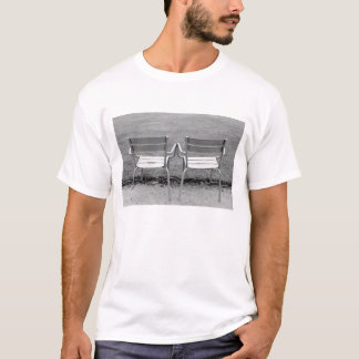Europe, France, Paris. Chairs, Jardin du 2 T-Shirt