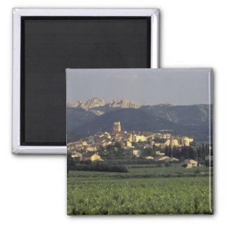 Europe, France, Provence, Vaucluse, SSablet, Magnet