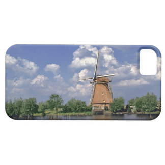 Europe, Netherlands, Kinerdijk. A windmill sits iPhone 5 Covers