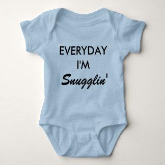 Everyday i'm snugglin' adorable newborn onsie!! baby bodysuit
