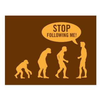 évolution - cessez de me suivre ! carte postale