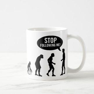 évolution - cessez de me suivre ! mug blanc
