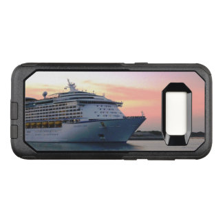 Explorer at Evening OtterBox Commuter Samsung Galaxy S8 Case